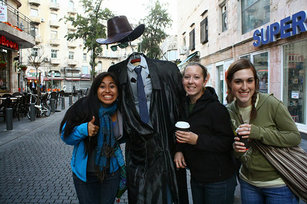 Disfarces de Halloween muito divertidos e assustadores - homem sem cabeça