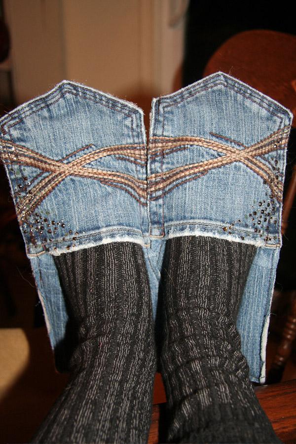 Reciclar calças de ganga - chinelos feitos com bolsos