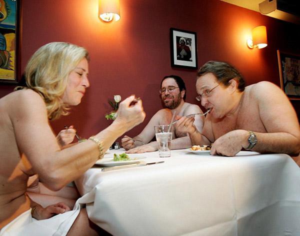 Restaurantes mais surpreendentes do mundo - restaurante para nudistas em Nova Iorque