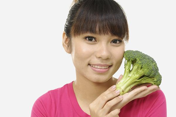 Benefícios dos brócolos - TORNAM OS OLHOS BONITOS