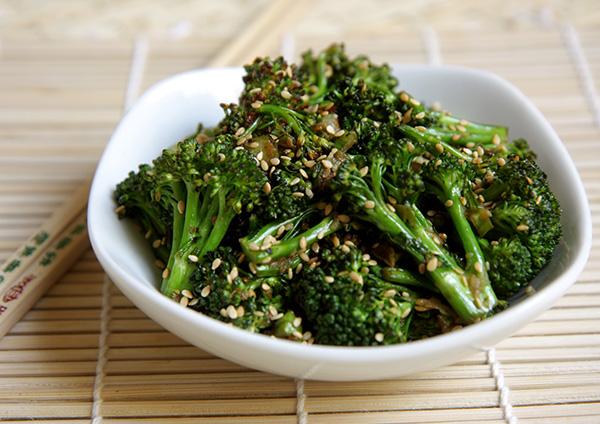 Benefícios dos brócolos - CONTROLAM A GLICÉMIA NO SANGUE