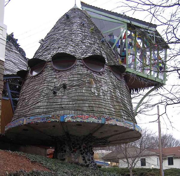 Casas que o vão deixar de boca aberta - casa em forma de cogumelo