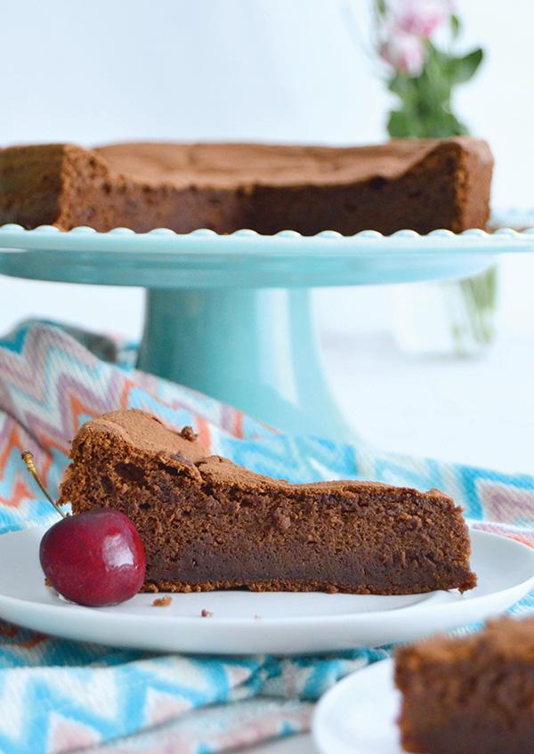 Sobremesas irresistíveis - BOLO DE CHOCOLATE E MASCARPONE (para 8 pessoas)