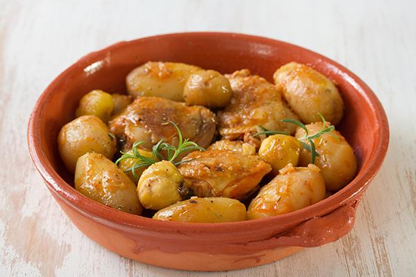 3 receitas saudáveis com castanhas - Batatas e castanhas com molho de cogumelos