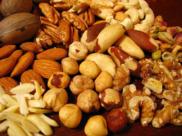 O frio chegou - 15 alimentos que fortalecem o sistema imunitário - Nozes, castanhas e amêndoas