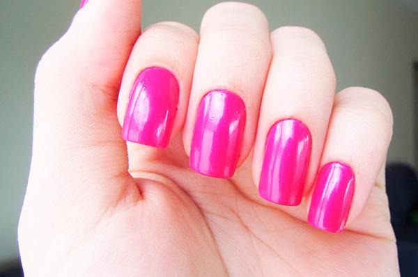 Cores de verniz que estão na moda este Inverno- rosa