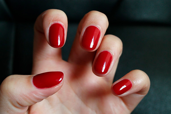 Cores de verniz que estão na moda este Inverno- vermelho