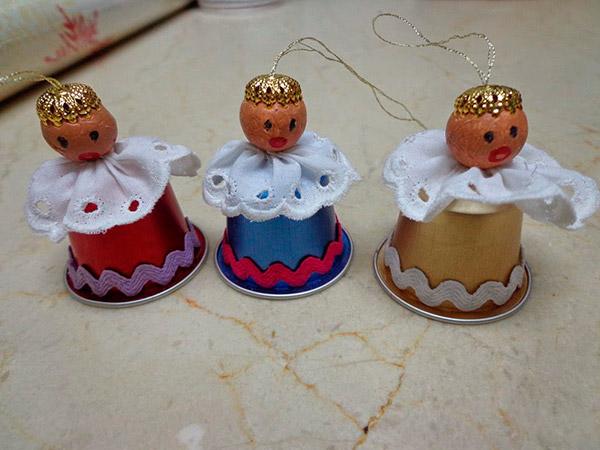 Decorações de Natal para fazer em família – cápsulas de café