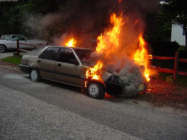 O homem mais sortudo do mundo – Frane Selak carro em chamas