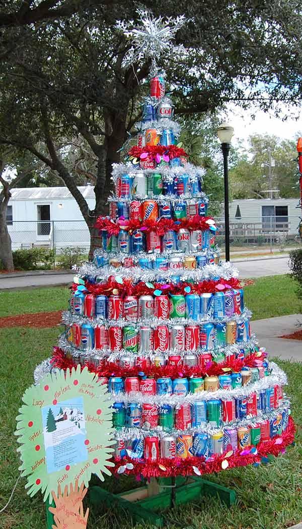 Árvores de Natal diferentes - 8 sugestões ecológicas - Com latas de refrigerantes