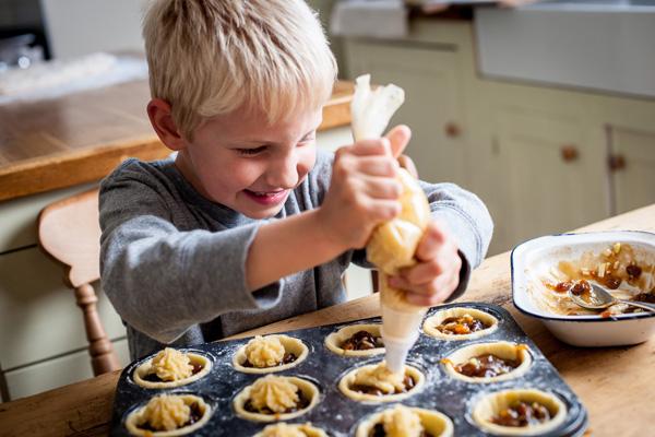 5 actividades para fazer com as crianças em tempo de férias - COZINHAR