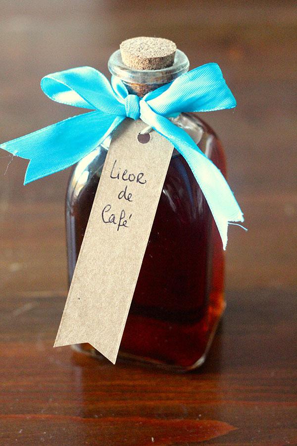 Licor de café e biscoitos de canela - Faça você mesmo - LICOR DE CAFÉ