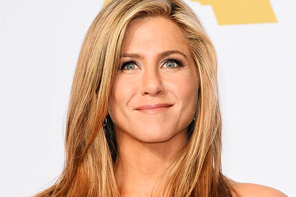 Descubra todos os truques de beleza das famosas – Jennifer Aniston