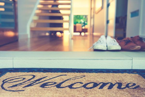 5 grandes razões para deixar os sapatos à entrada de casa -Diminui as bactérias que entram em sua casa
