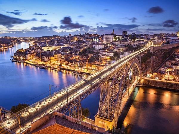 6 destinos baratos para conhecer em 2017 - Porto, Portugal