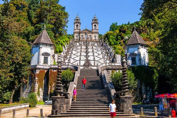 As 8 escadas mais impressionantes do mundo - Portugal