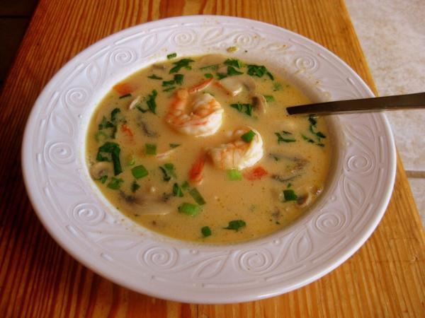Sopa de peixe com coentros para 6 pessoas - Conheça a receita