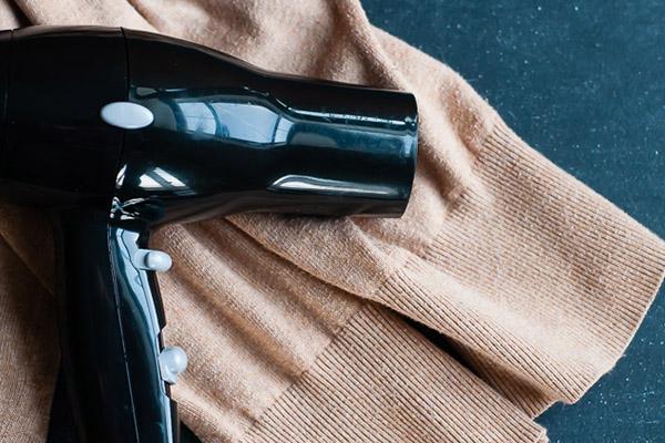 Usos surpreendentes do secador de cabelo - ACABAR COM VINCOS NA ROUPA