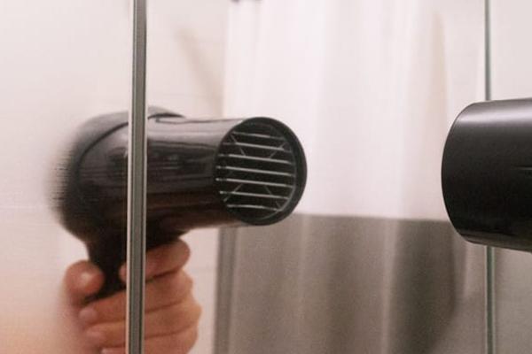 Usos surpreendentes do secador de cabelo - DESEMBACIAR VIDROS