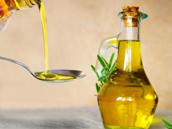 10 Alimentos que ajudam a secar a barriga - Azeite