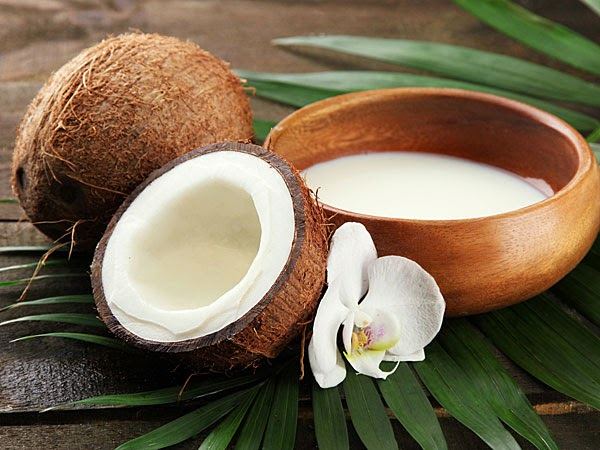10 Alimentos que ajudam a secar a barriga - Coco