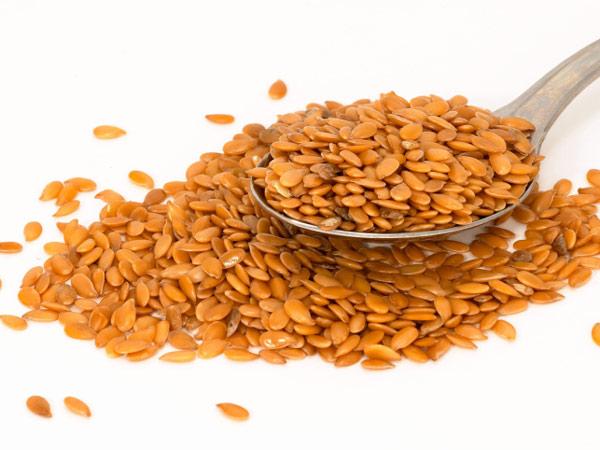 10 Alimentos que ajudam a secar a barriga - Linhaça