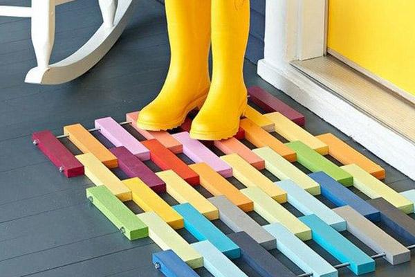 10 tapetes de entrada para sua casa - Em madeira