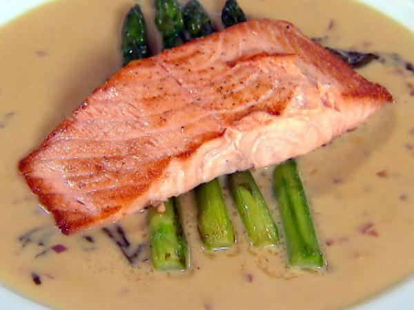10 alimentos para ter unhas fortes e bonitas - salmão