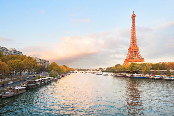 7 viagens muito românticas para casais apaixonados - Paris