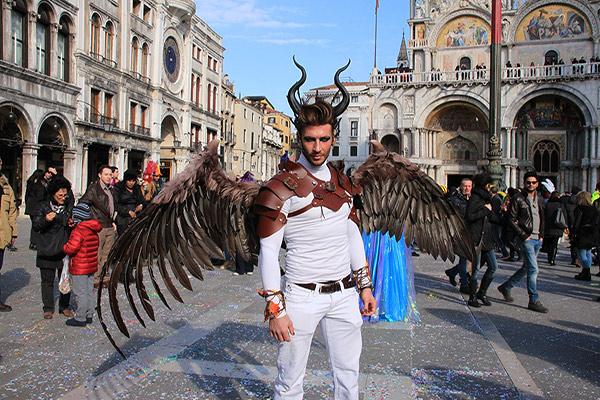 Carnaval de Veneza - Beleza e história - Público
