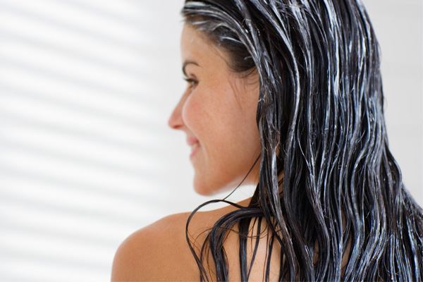 Como manter o cabelo forte e saudável no inverno - A hidratação é essencial