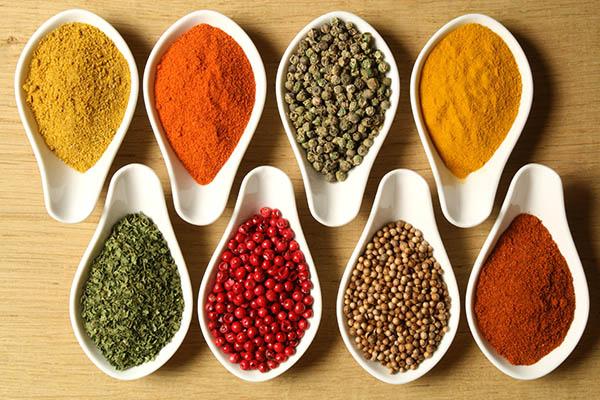 Dicas saudáveis - 7 alternativas ao sal - ESPECIARIAS