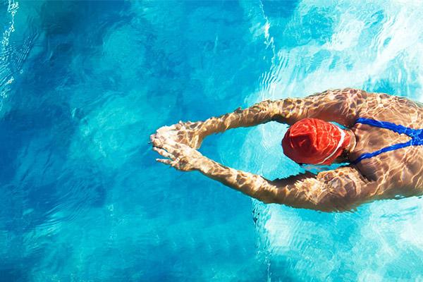 Os 10 benefícios da natação para a sua saúde - Fortalece o sistema cardiovascular