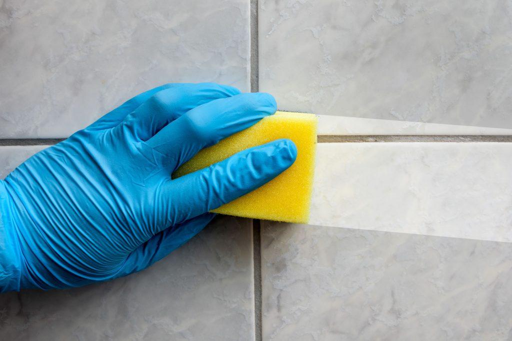Soluções caseiras para ter uma casa de banho a brilhar