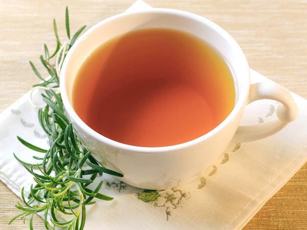7 Grandes dicas para evitar a caspa-Chá de alecrim