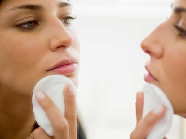 Cuidados a ter com a pele antes e depois da maquilhagem - Tonificar