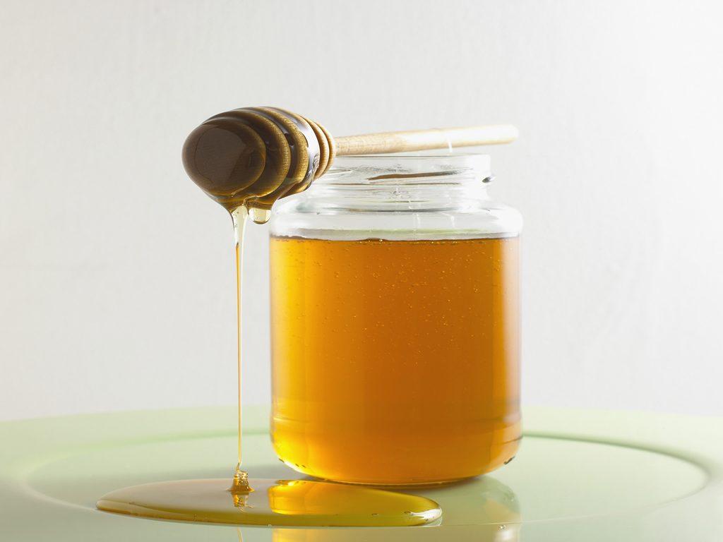 10 alimentos que não deve guardar no frigorífico - O mel cristaliza no frio