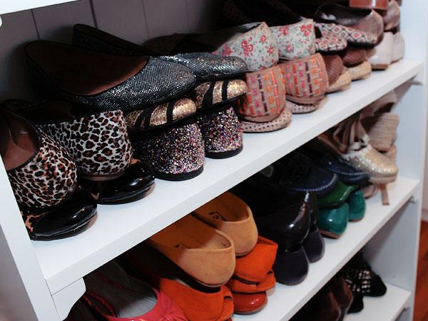 10 cuidados a ter com a casa na Primavera - procure calçado mais fresco