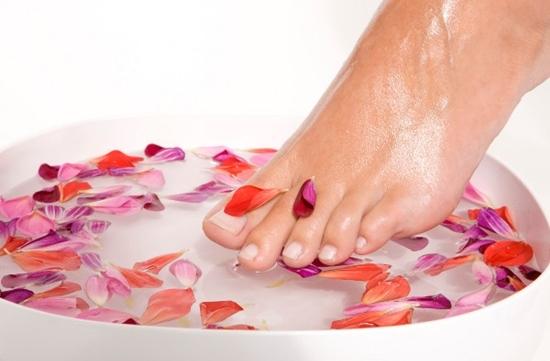 10 dicas para ter uns pés saudáveis e bonitos - Trate os pés