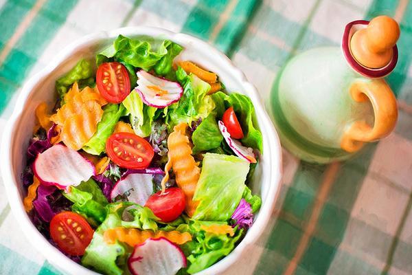 Os melhores alimentos para comer em dias de calor
