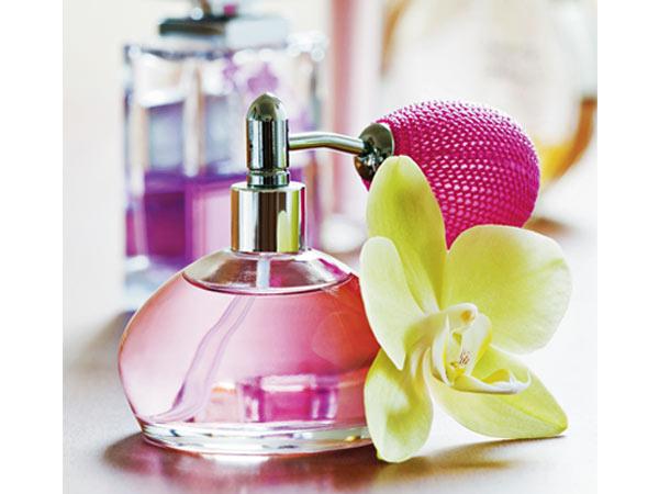 Dicas para tirar nódoas difíceis da roupa - Evite abusar do perfume
