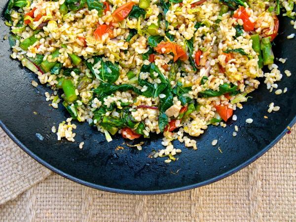 Arroz integral de lentilhas salteado com legumes para 4 pessoas