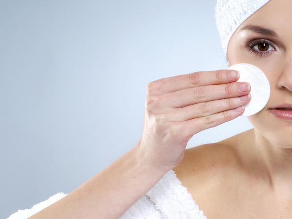 10 Dicas que retardam o aparecimento de rugas- Remover a maquilhagem