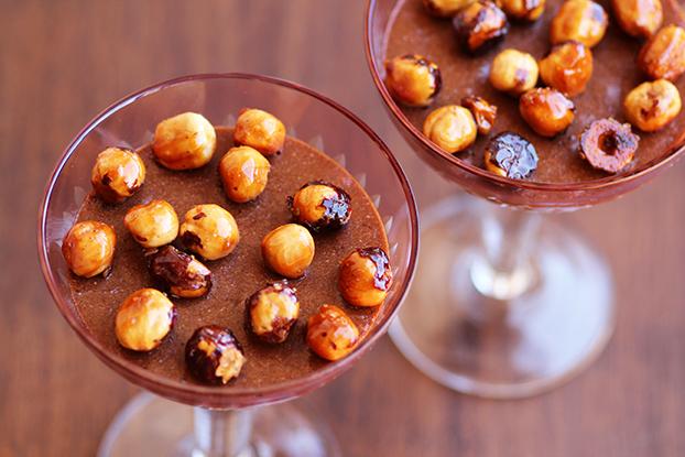 Receita de pudim de chocolate com nozes e avelã