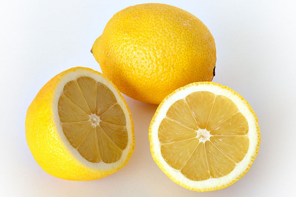 10 alimentos que não deve guardar no frigorífico - Limão