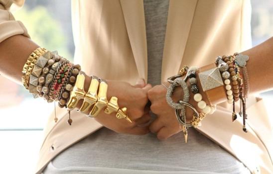 As 10 jóias que vai querer ter esta Primavera/ Verão - Pulseiras a preencher o antebraço