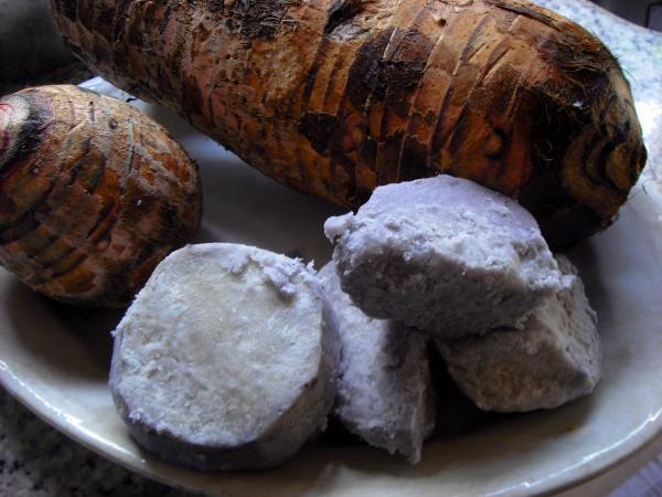 5 benefícios do inhame - Um alimento tradicional da Quaresma na Madeira - Sirva cozido