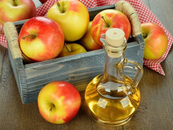 7 alimentos que combatem as alergias da Primavera - Vinagre de maçã