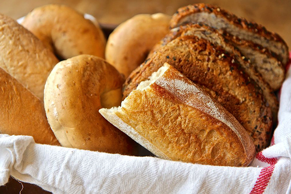 Receita de Pudim de pão para a mesa da Páscoa - Aproveite as sobras de pão