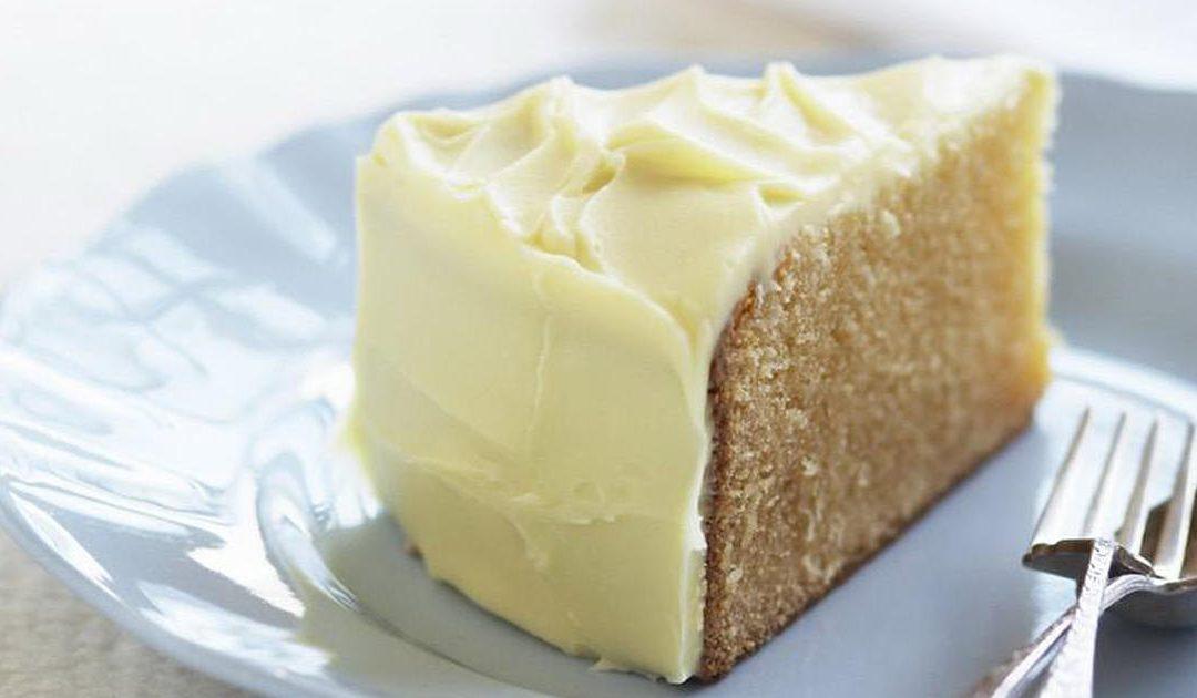 Receita de bolo húmido de chocolate branco